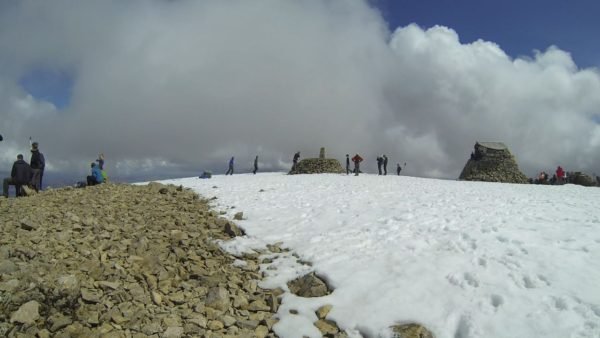 A crowded Ben Nevis.