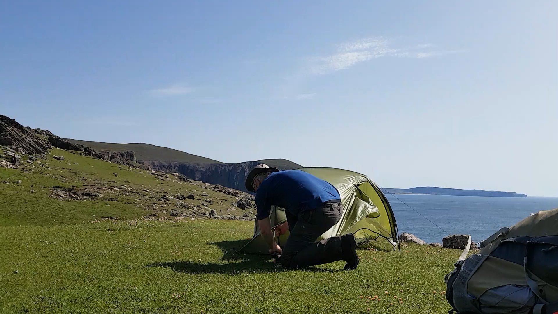 The flat, grassy machair right on the cliffline makes a brilliant pitch for my little tent. Just south of Cape Wrath in NW Scotland.
